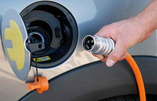 Зарядка аккумулятора электромобиля