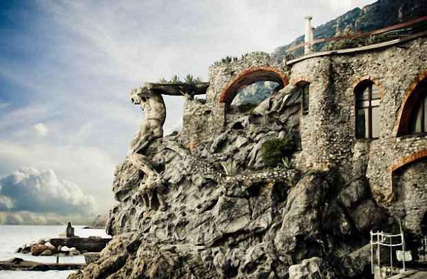 Террасу удерживает 14-метровая статуя бога Нептуна