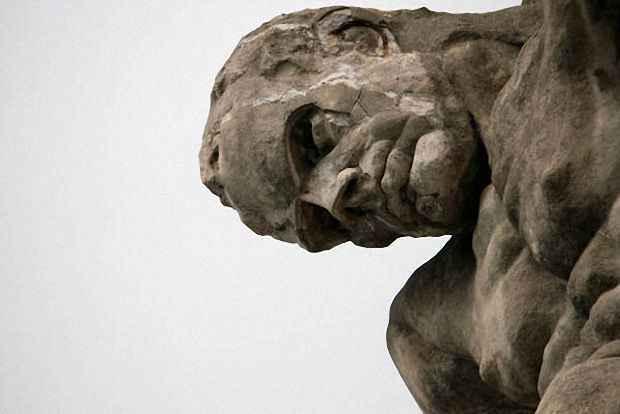 Cтатуя бога Нептун в Монтероссо-аль-Маре